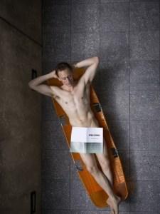 tom-hiddleston-high-rise-stills-08-435x580