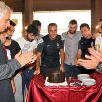 Murat Onur Dilek'e doğum günü kutlaması