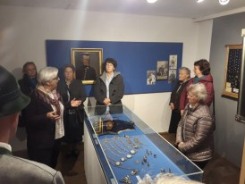 "Ausstellung im Heimatmuseum ""Kropfketten und Bluatstoa"" 15.10.19"