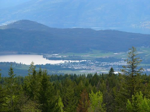 Enjoy Views of Okanagan Lake and surrounding area