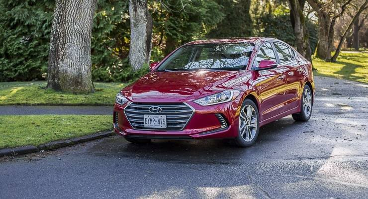 2017 hyundai elantra review (3 of 29)