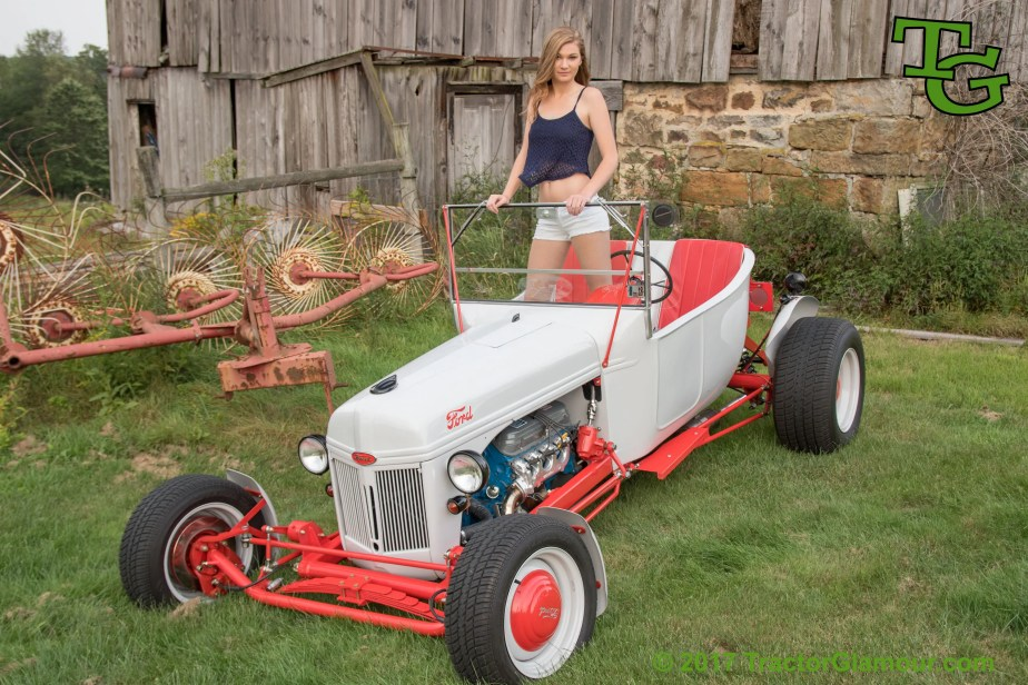Custom Lawn Tractor Hood : Tractor glamour