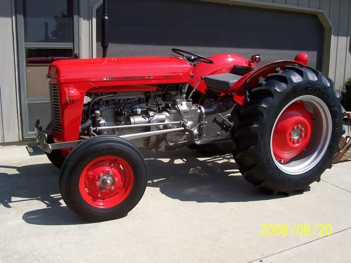 Massey and Ferguson Diesel deluxe - Yesterday\u0027s Tractors