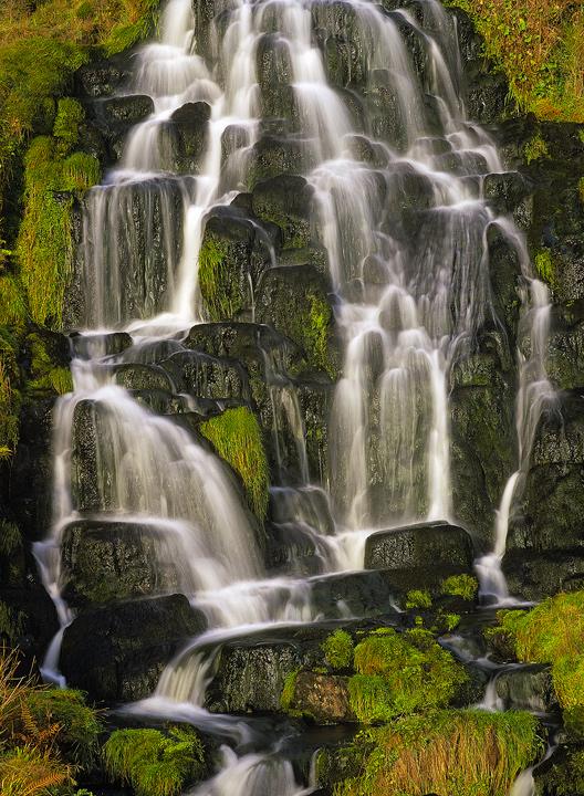 Free Beautiful Desktop Wallpapers For The Fall Skye Cascade Storr Skye Scotland Transient Light