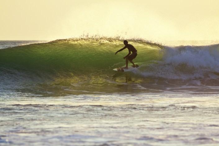 Surfkurse an Traumstränden