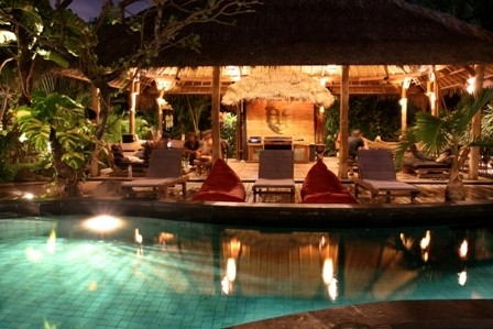 Surf Villa mit Pool in Bali