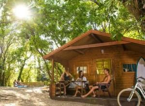 surfcamp-moliets-frankreich-surfen-lernen-campen-bungalow