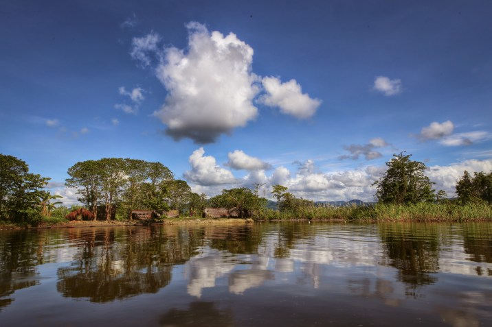 Wagu lagoon, Sepik River