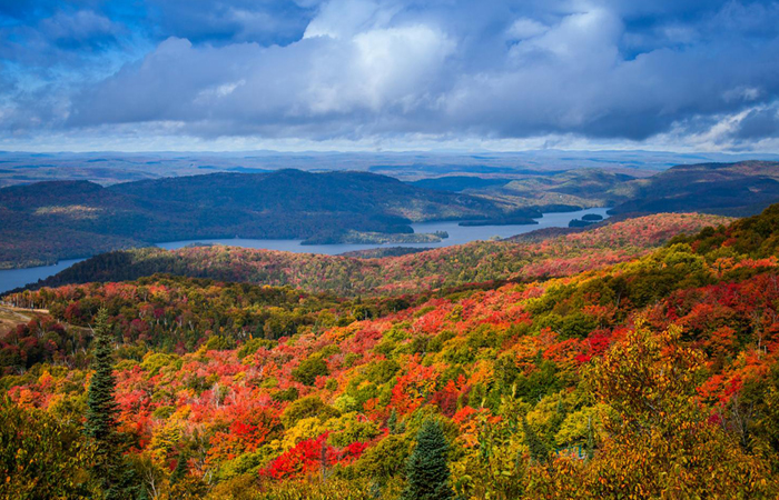 Fall Colors Wallpaper New England Where To Eat Stay Play Amp Shop In Mont Tremblant Quebec