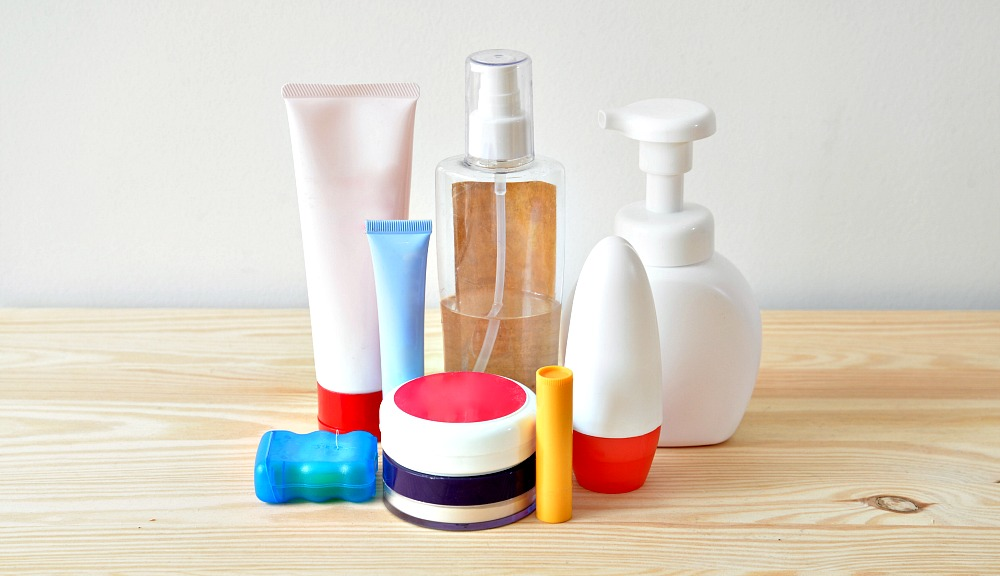 The Ultimate Guide to Travel Toiletries (with Printable Checklist)