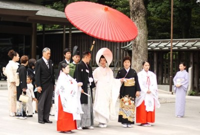 Catch a glimpse of a traditional Japanese Bride at Meiji ...