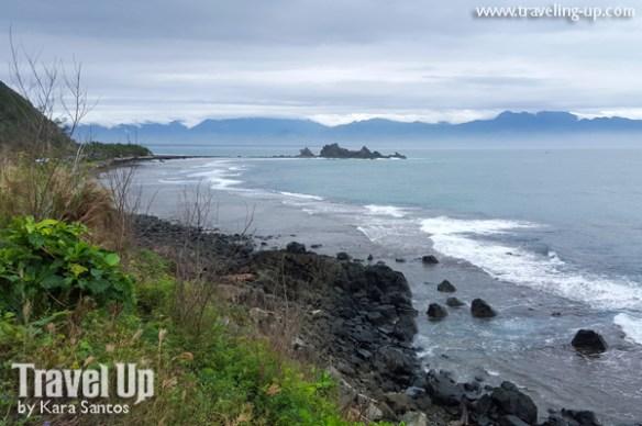 baler aurora diguisit beach rock formations view