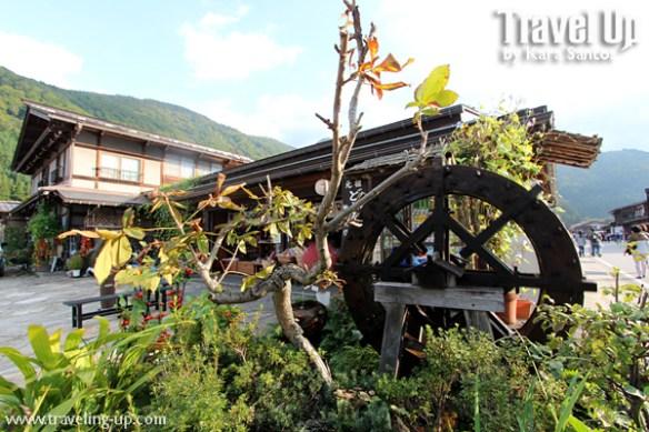 13. shirakawago village japan fountain