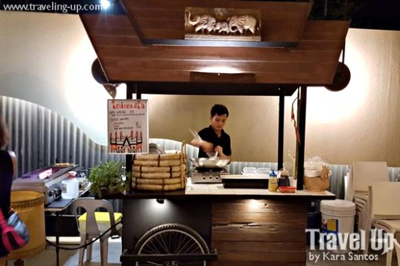 06 merkanto street food stall indonesian
