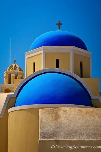 Church in village of Oia, Santorini, Greece