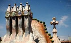 16b-Rooftop-of-Gaudis-Casa-Battlo-Barcelona-Spain