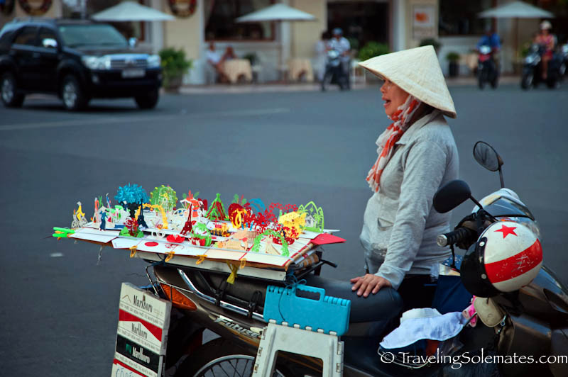 Paper Cut Art Vendor, Ho Chi Minh, (Saigon), Vietnam