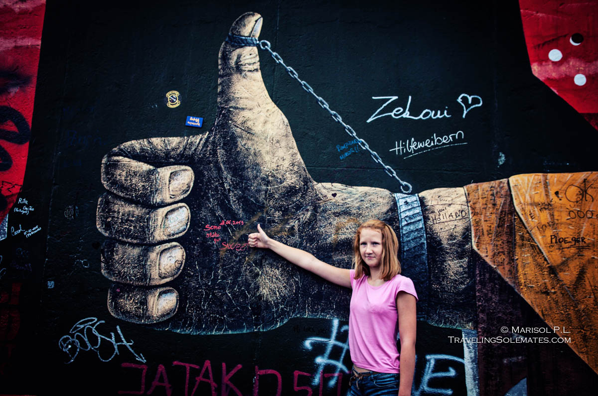 Thumbs Up, Arts, Paintings in Berlin Wall's East Side Gallery
