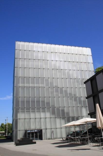 Das Kunsthaus von außen ...