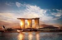 On top of Singapore: the SkyPark infinity pool  Luxury ...