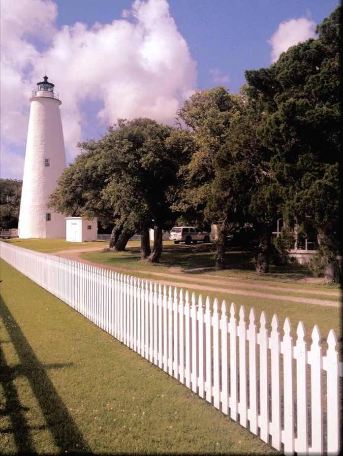 Things-to-do-in-the-Outer-Banks-Ocracoke-Island-lighthouse