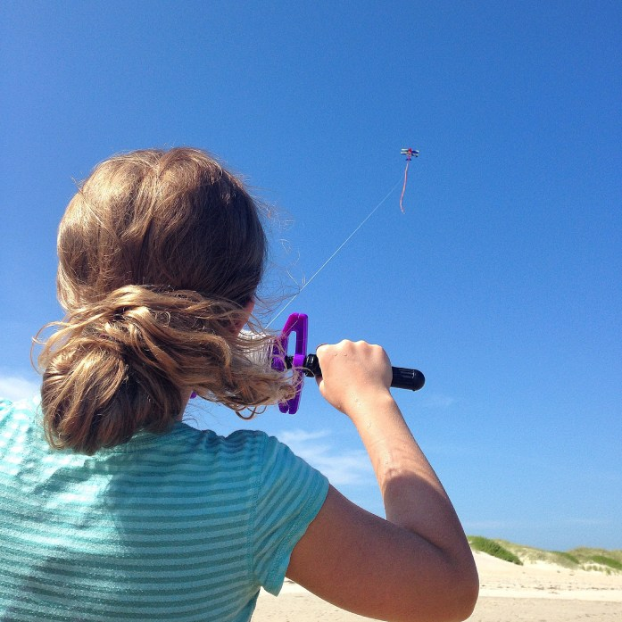 Things-to-do-in-the-Outer-Banks-Ocracoke-Island-flying-kite-beach