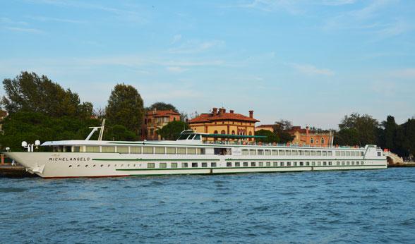 Po River Cruise