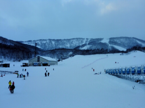Skiing in Hanazono
