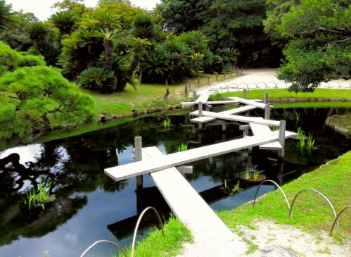 Twisting bridge in Koraku Park