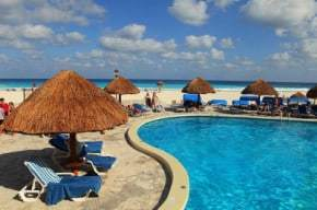 Myths about Cancun