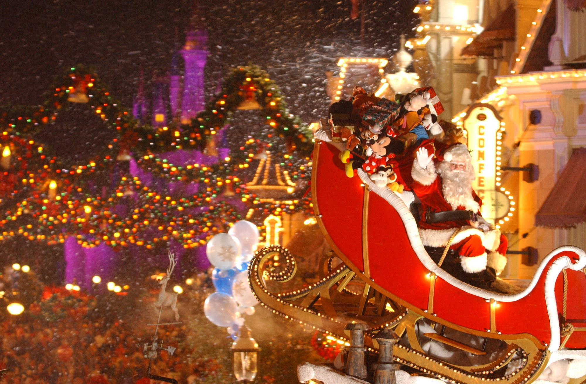 3d Xmas Live Wallpaper First Night Of Disney S Very Merry Christmas Party Sold