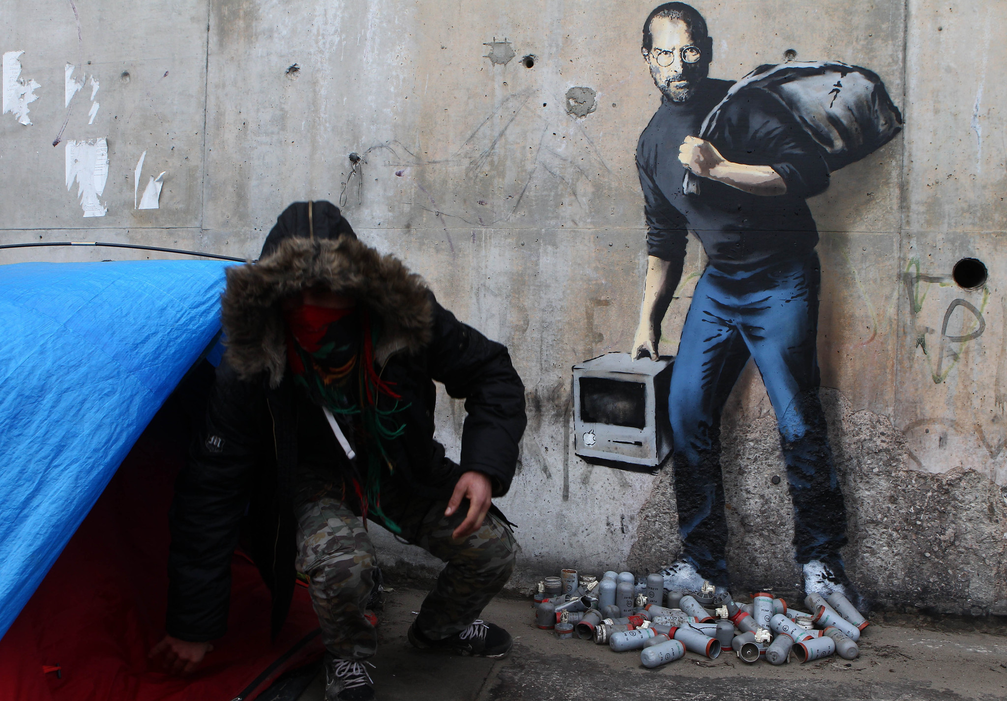 3d Money Wallpaper Banksy S Identity May Have Been Revealed Chicago Tribune