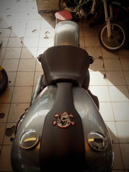 HARLEY DAVIDSON STREET BOB CONSOLE TRC MOTO CUERS DANS LE VAR CUSTOMISATION MODIFICATION CUSTOM 83