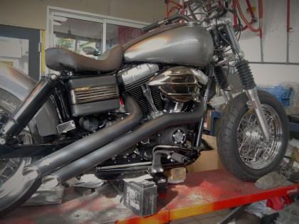 HARLEY DAVIDSON - STREET BOB - modification et customissation TRC MOTO A CUERS DANS LE VAR 83
