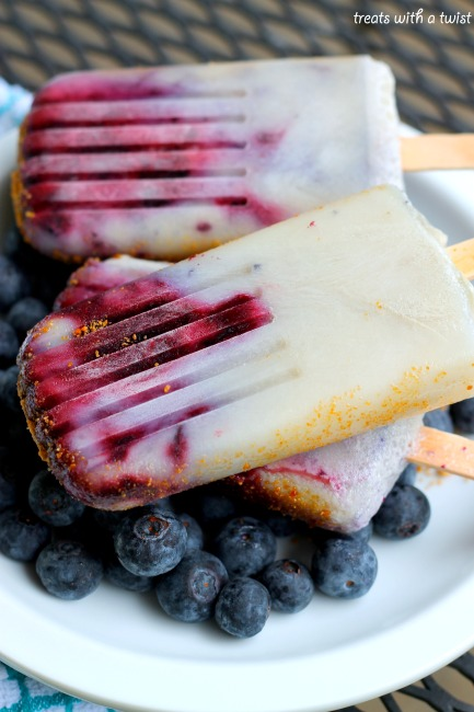 Roasted Blueberries n Cream Popsicles (treatswithatwist.com)