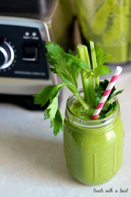 The Green Thing Smoothie (treatswithatwist.com)
