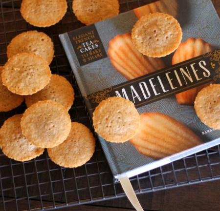 Chai Tea Madeleines (treatswithatwist.com) #glutenfree #cookies