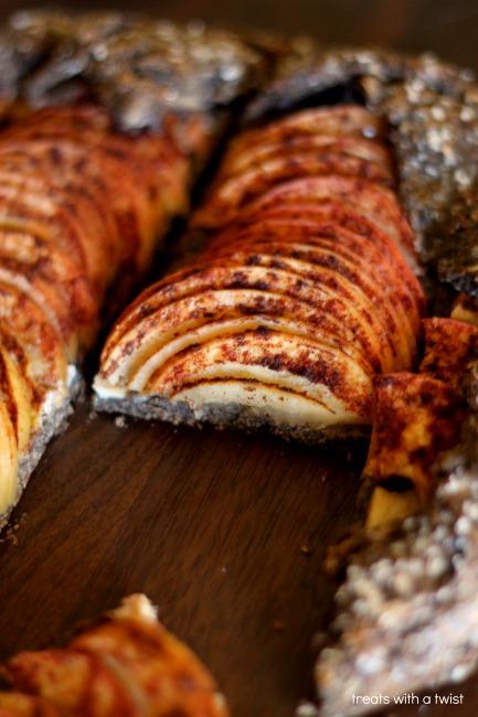 Apple Galette (treatswithatwist.com) #glutenfree #apple