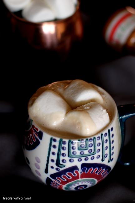 Hot Honey Vanilla PB Bourbon Nightcap (treatswithatwist.com)