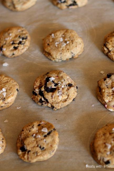 Ultimate Peppermint Bark Cookies 2