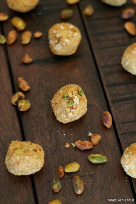 No Bake Halva Cookie Bites // treatswithatwist.com // #glutenfree