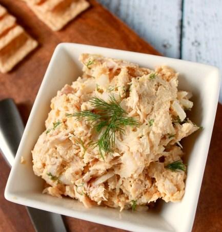 Roasted Garlic Hummus Chicken Salad // treatswithatwist.com