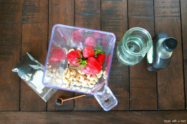 Strawberry Cashew Smoothie 1