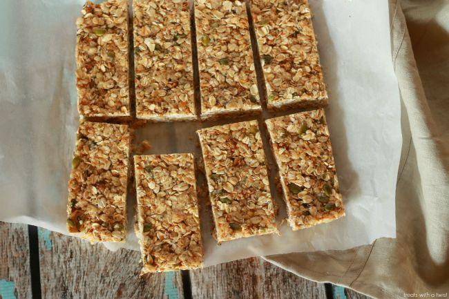 Mulberry Cashew Granola Bars 1