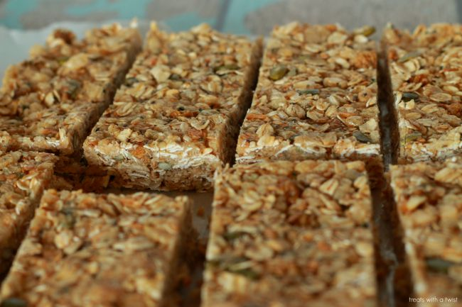 Mulberry Cashew Granola Bars 3