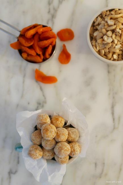 apricot-energy-bites-1