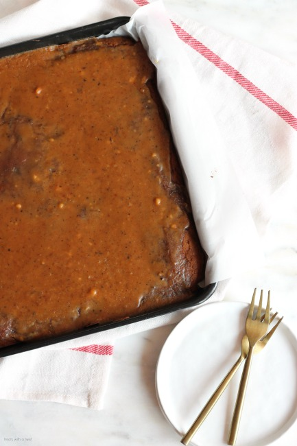 Pumpkin Texas Sheet Cake // gluten free // treatswithatwist.com