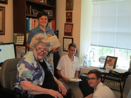 How Student Volunteers Help Assisted Living Houston Residents