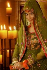 mehndi brides with hsy mehndi dresses