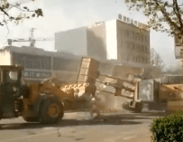6 Bulldozers Fight on the Street in China